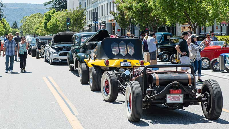 A La Car & Art classic car show in downtown Mountain View
